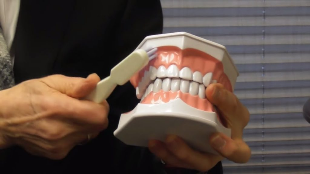 How to Brush Your Teeth With Gum Recession